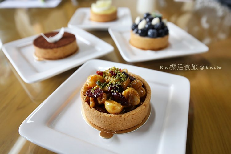 彰化美食|溪湖涼風冰店手作甜點,冰品店吃限量甜點?(糖廠後消暑綿綿冰品)
