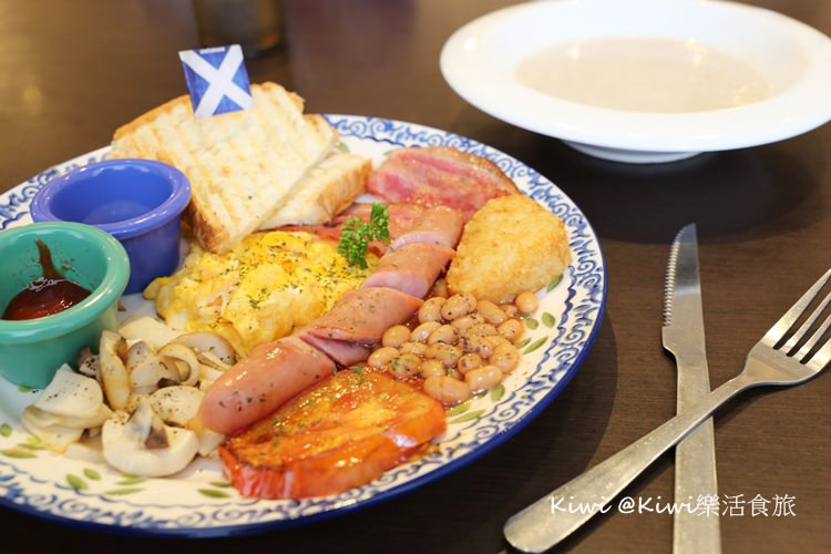 台中東區美食|Burger Bus 漢堡巴士英式早午餐平價美食超澎湃