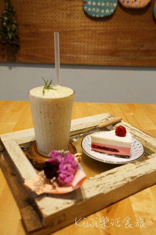 台中下午茶|蒔嚐咖啡しばしば 北區老宅裡的甜點店,乾燥花氛圍IG打卡熱點(友善寵物)