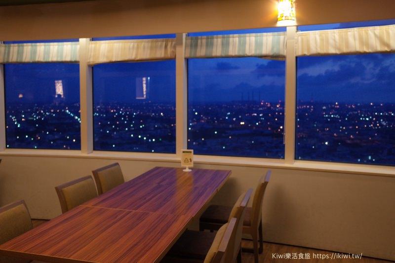台中梧棲夜景推薦|童綜合25樓旋轉餐廳  丹堤咖啡館 360度海景盡收眼底