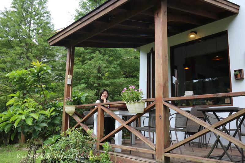苗栗美食推薦|三義山城裡的童話屋向陽民宿、隱藏秘境漫時光咖啡喝咖啡