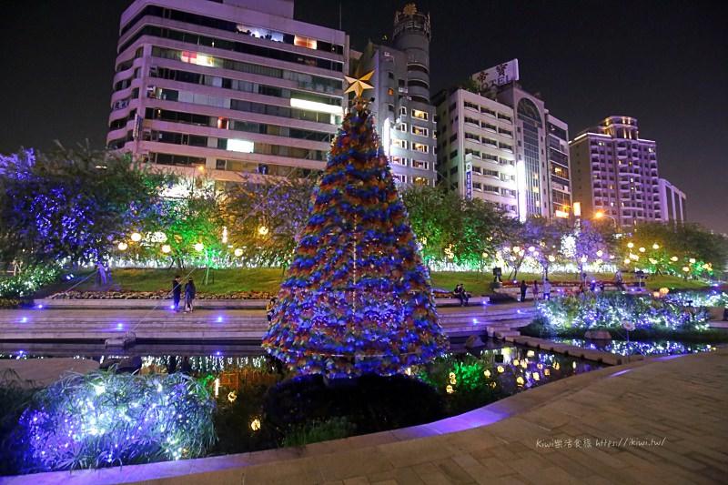台中景點推薦|柳川水岸步道賞水中聖誕樹、耶誕節散策、漫步IG打卡熱點,台中夜景限定!