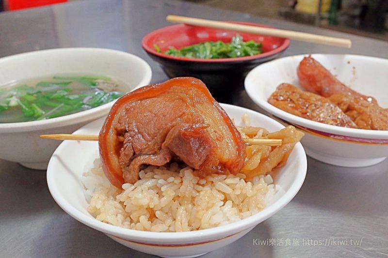 彰化阿泉焢肉飯/爌肉飯|彰化在地人早午餐,80年老店每日人潮不間斷,銅板美食激推