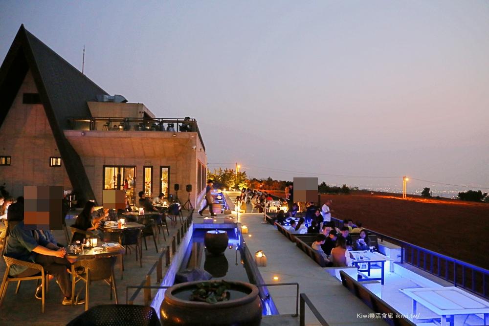沙鹿黑森林景觀咖啡台中景觀餐廳推薦IG網美打卡熱點夢幻夜景夜店