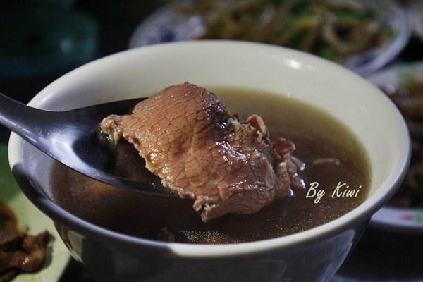 台南安平文章牛肉湯8059