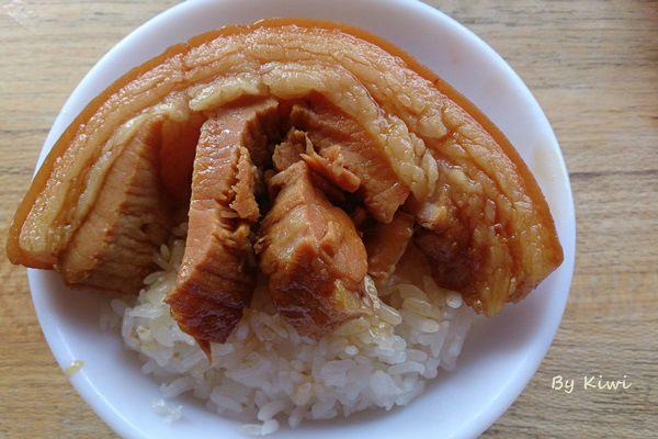 花壇阿宏爌肉飯爌肉飯|彰化花壇名店大賞之人稱地下司令爌肉飯,每天排隊人潮不斷