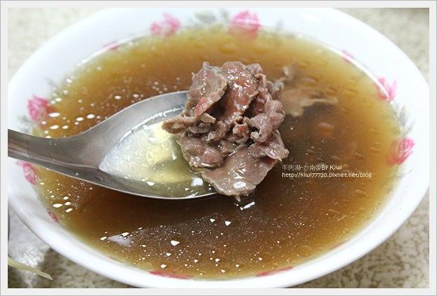 【台南】挑戰超級大胃王:阿村第二代牛肉湯、金得春捲、阿松割包、現作手工麻薯