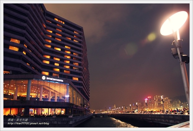 【旅人。香港】滿滿名人手印之星光大道、燈光秀之幻彩詠香江、天星小輪