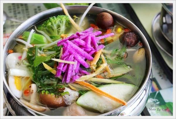 【南投鹿谷】銀杏森林茶餐廳(景觀餐廳、銀杏養生火鍋、自家栽種蔬菜)