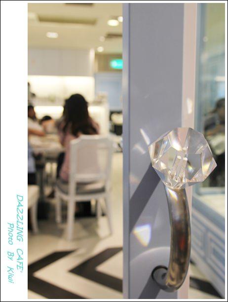 【台中】小鹿亂撞的心情:Dazzling cafe' 蜜糖土司(新光4F)