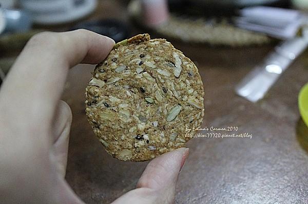 【彰化市區】Bonbon factory法式甜點工房之手工養生雜糧燕麥餅乾(推出另類新年禮盒)